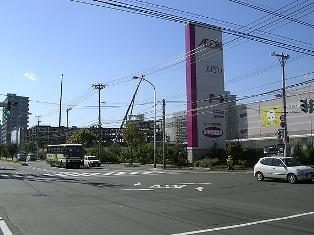 新道東駅周辺の街並み