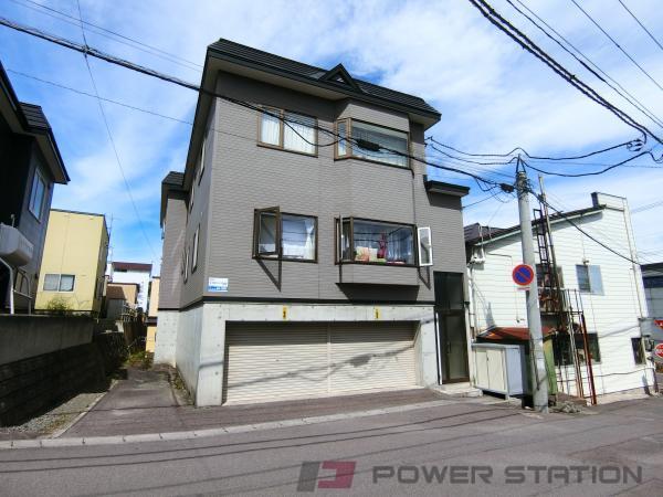 小樽市富岡2丁目0賃貸アパート外観写真