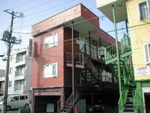 二十四軒1DKアパート外観