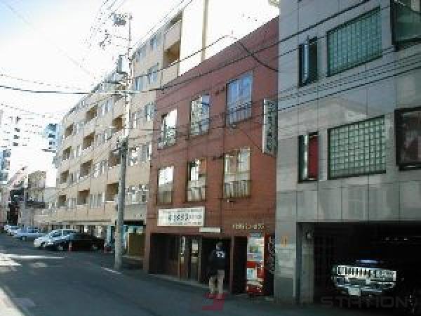 札幌市中央区南5条西9丁目1賃貸アパート外観写真