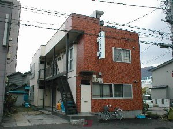 札幌市中央区南13条西9丁目1賃貸アパート外観写真
