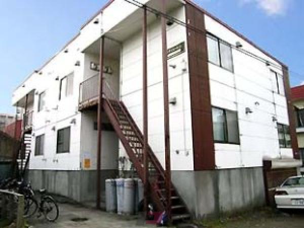 札幌市中央区南14条西8丁目1賃貸アパート外観写真