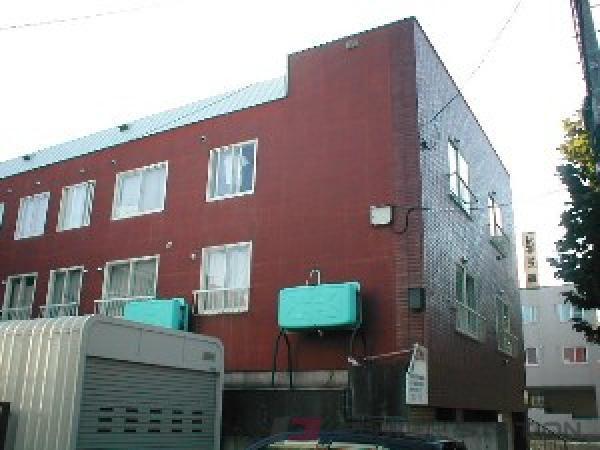 札幌市中央区南24条西7丁目0賃貸アパート外観写真