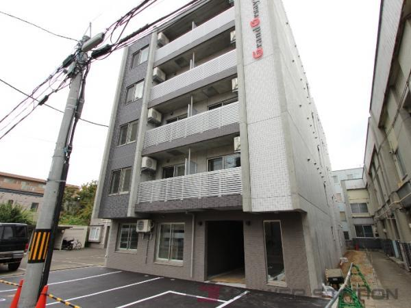 グランオルセーS8:札幌市中央区南8条西12丁目