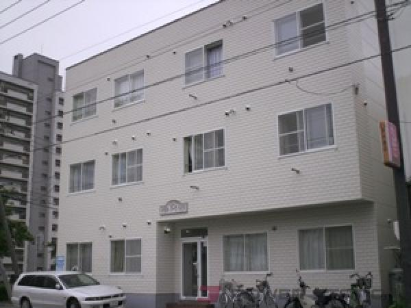 東区役所前1Rマンション外観
