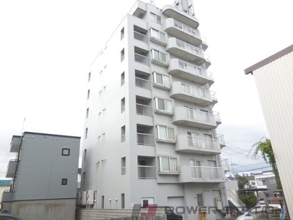 新道東2DKマンション外観