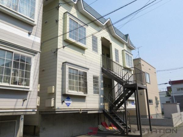 アパート・ソレイユハイム新道東B棟