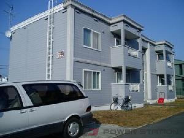 栄町3LDKアパート外観
