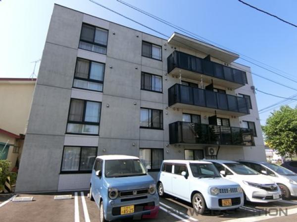 北広島1Kマンション外観