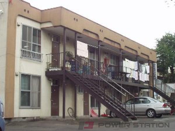 学園前2LDKアパート外観