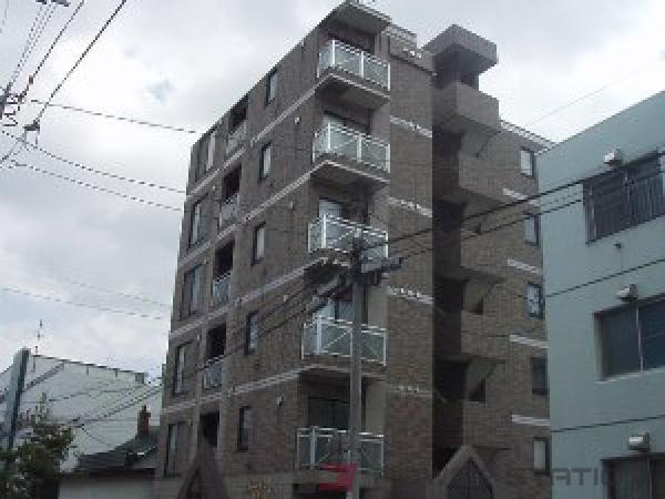 平岸1DKマンション外観